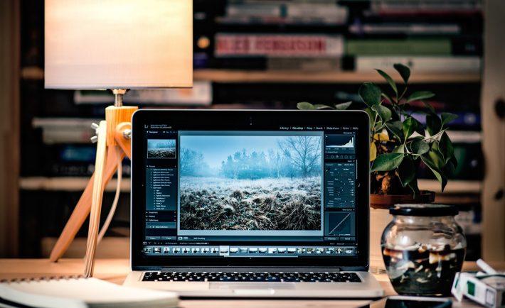 Creating a Home Office that Invigorates Creativity